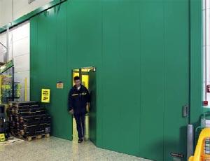 Противопожарные ворота Hormann с встроенной калиткой.