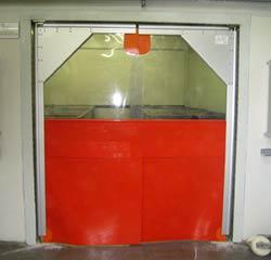Распашные пластиковые ворота (пленочные ворота)