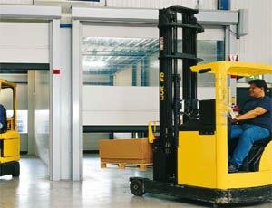 Гибкие вертикальные скоростные ворота Hormann V 5030 SE внутреннего применения бесшумные с ветрозащитой